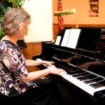 Me-at-Piano